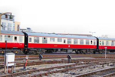 Mk1 RMB 1832 in ex-works 'Blood & Custard' livery arrives into Bristol Temple Meads 02/07/11