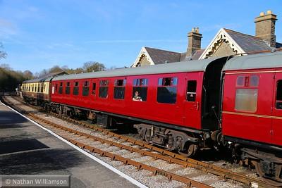 Mk1 SK 25299 departs Bitton on the Avon Valley Railway  11/04/15