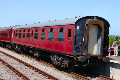 Mk1 SK 25299 at Avon Riverside, on the Avon Valley Railway 26/05/12