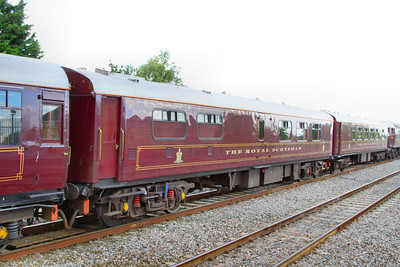 """317 """"Raven"""" - Mk1 Pullman Kitchen First was converted into a Royal Scotsman Dining Coach in 1993 and renumbered 99967. The coach still retains a kitchen area.  99967 departs Swindon on the: 1Z29 14:59 Bath to Oxford 10/07/12"""