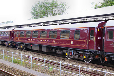 """324 """"Amber"""" - Mk1 Pullman Parlour First"""" was rebuild in 1990 as a Royal Scotsman Saloon and renumbered to 99961 """"State Car 1"""" The coach now consists of 4 twin sleeping rooms.  99961 departs Bath on the: 5Z28 09:30 Bath to Westbury 10/07/12"""