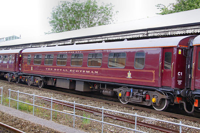 """331 """"Topaz"""" - Mk1 Pullman Parlour First"""" was rebuild in 1990 as a Royal Scotsman Saloon and renumbered to 99963 """"State Car 3"""". The coach now consists of 4 twin sleeping rooms.  99963 departs Bath on the: 5Z28 09:30 Bath to Westbury 10/07/12"""
