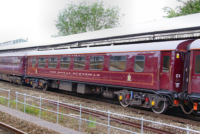 """313 """"Finch"""" - Mk1 Pullman Kitchen First was converted into a Royal Scotsman Saloon in 1990 and renumbered 99964 """"State Car 4"""" The coach now consists of 3 twin sleeping rooms and 3 single sleeping rooms.  99964 departs Bath on the: 5Z28 09:30 Bath to Westbury 10/07/12"""