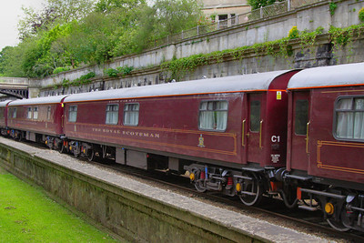 """329 """"Pearl"""" - Mk1 Pullman Parlour First"""" was rebuild in 1990 as a Royal Scotsman Saloon and renumbered to 99962 """"State Car 2"""". The coach now consists of 4 twin sleeping rooms.  99962 heads through Sidney Gardens in Bath on the: 5Z29 13:05 Westbury to Bath via Bath Goods Loop 10/07/12"""