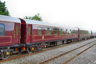 """324 """"Amber"""" - Mk1 Pullman Parlour First"""" was rebuild in 1990 as a Royal Scotsman Saloon and renumbered to 99961 """"State Car 1"""" The coach now consists of 4 twin sleeping rooms.  99961 departs Swindon on the: 1Z29 14:59 Bath to Oxford 10/07/12"""