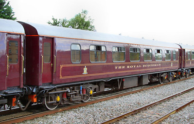 """331 """"Topaz"""" - Mk1 Pullman Parlour First"""" was rebuild in 1990 as a Royal Scotsman Saloon and renumbered to 99963 """"State Car 3"""". The coach now consists of 4 twin sleeping rooms.  99963 departs Swindon on the: 1Z29 14:59 Bath to Oxford 10/07/12"""