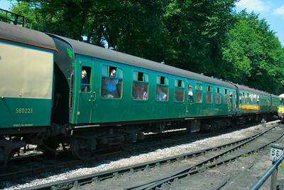 Mk1 TSO 3738 departs Ropley on the Mid Hants Railway 30/05/09