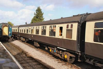 Mk1 TSO 4260 departs Williton on the West Somerset Railway 01/10/09