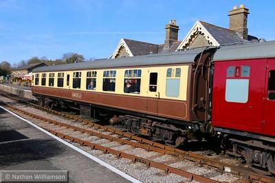 Mk1 TSO 4058 departs Bitton on the Avon Valley Railway  11/04/15