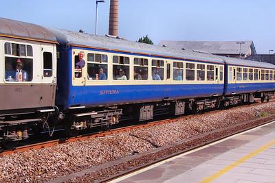 Mk2a TSO 5276 heads west through Totnes in Riviera Trains Blue & Cream 26/06/10