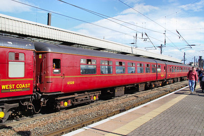 Mk2c TSO(T) 6528 departs Newcastle 11/09/10