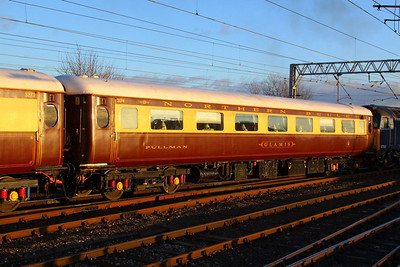 "Mk2d FO 3174 ""Glamis"" departs Carlisle on the: 1Z17 11:42 Darlington to Newcastle  05/12/12"