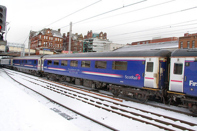Mk2f RLO 6708 departs Carlisle in the snow 03/12/10  6708 was converted from Mk2f FO 3370