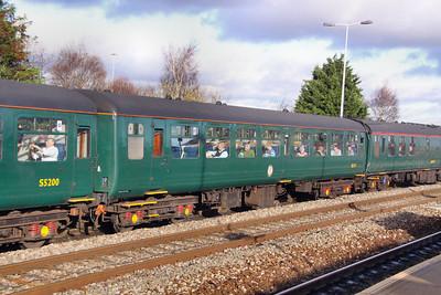Mk2z TSO 5171 arrives into Swindon 28/11/09