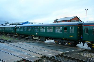 Mk2z TSO 5222 departs Exeter St Davids  28/10/07