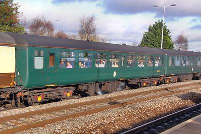Mk2z TSO 5200 arrives into Swindon 28/11/09