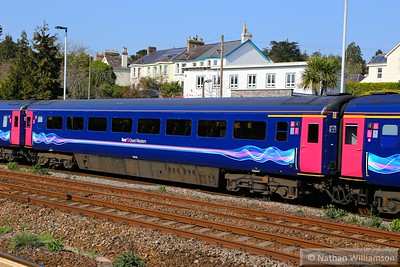 40106 arrives into Totnes 15/04/15   40106 was converted from TS 42162