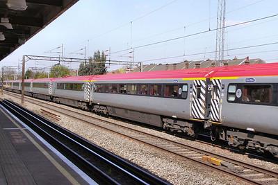 Mk3a FO 11007 heads south past South Kenton Station 22/04/10