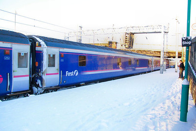 10543 departs Carlisle in the snow 02/12/10