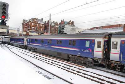 10529 departs Carlisle in the snow 03/12/10