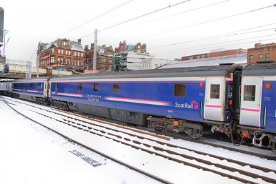 10507 departs Carlisle in the snow 03/12/10