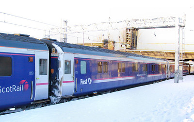 10513 departs Carlisle in the snow 02/12/10