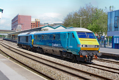 82306 is propelled by 67002 through Newport on the driver training run, forming the: 5Z63 15:09 Gloucester to Cardiff Canton  17/07/12  82306 was converted from 82144 for Arriva Train Wales to allow it work with Class 67's