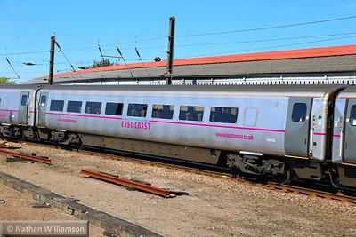 Mk4 TSO 12402 arrives into York 18/06/14