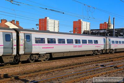Mk4 TSO 12427 arrives into Doncaster 18/06/14