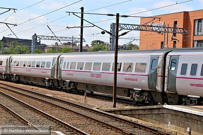Mk4 TSO 12424 arrives into York 18/06/14
