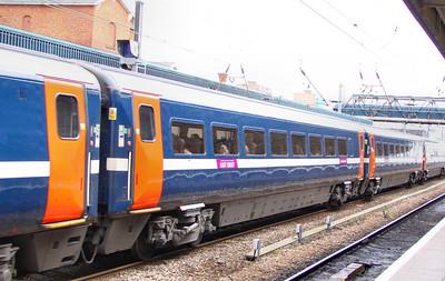 Mk4 TSO 12425 heads north through Doncaster 27/06/11