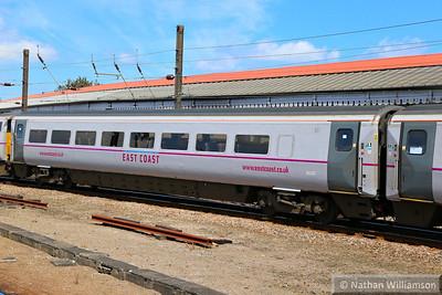 Mk4 TSOE 12222 arrives into Doncaster 18/06/14
