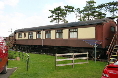 """137 """"Maid of Kent"""" Pullman Kitchen First built in 1921 at Ravenglass  09/09/06"""