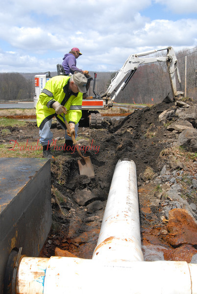 New inlet pipe at Site 15 (Route 901) [May 09]