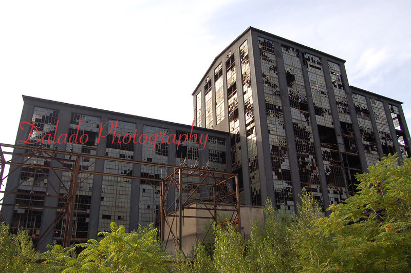 --Built in 1939, this building was used by the Glen Alden Coal Company to crush and size coal from three mines. Operation ceased in 1976.