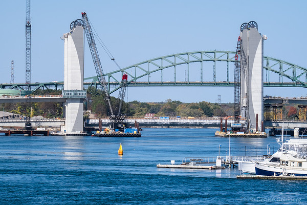 Sarah Mildred Long Bridge with lift span placed