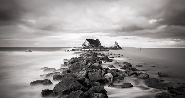 Black & White Head Rock, Mangawhai Heads