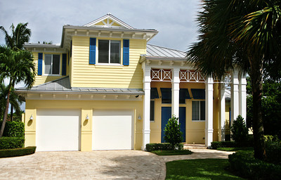 071713 - DELRAY - Exterior paint selected by Veronica Bower, Color Consultant for Regal Paint Benjamin Moore. Photo by Tim Stepien