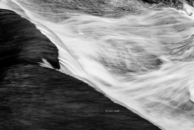 _B0A75584 Flowing away