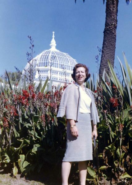 Irma Gardiner abt 1960 at Botanical Gardens