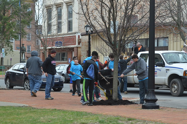Cohoes Students Participate in Global Youth Service Day