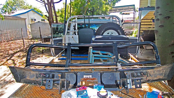 Col's 'new' re-cycled TJM bull bar to replace the massive 'TUFF' one on Toyota at present. This sporty model ideal for off road and Cape York adventure.