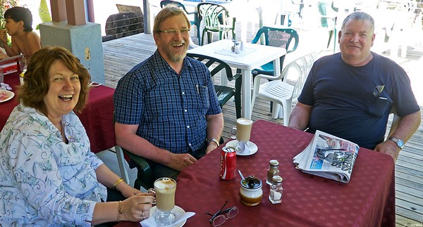 At Mason's Cafe we met the doctor and his wife from Emerald. They flew up to Cairns.