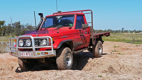 Col brought his recently aquired Landcruiser diesel out to our T