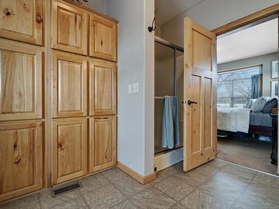 594 33 1-2 Rd Interior - PRINT - 14