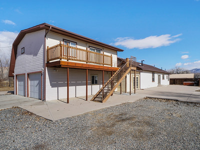 594 33 1-2 Rd Updated Exterior - PRINT - 02