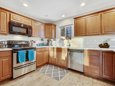 704 Ivy Place - MLS - 13
