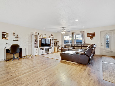 704 Ivy Place - MLS - 6