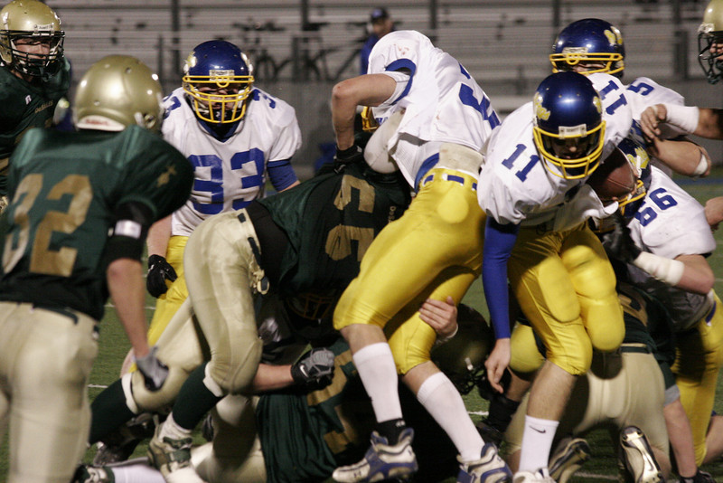 08 11 21_Colfax Football vs DeSalles_2007