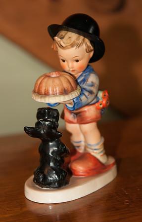 """Hummel """"Begging His Share"""" Candleholder"""